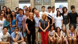 Luca Zingaretti con studenti Pesaro Doc Fest
