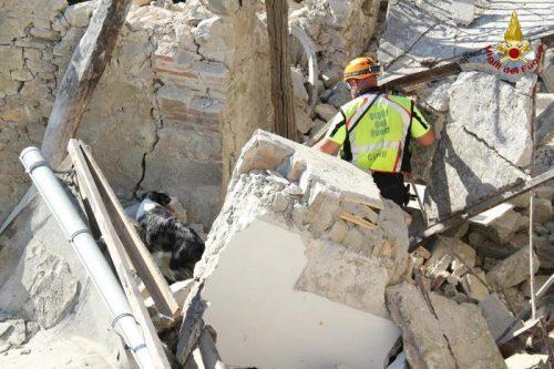 Sisma terremoto Pescara del Tronto