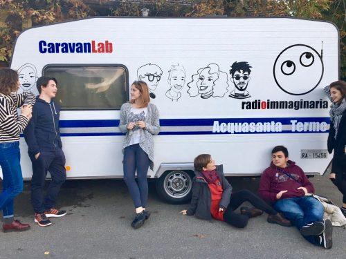 I ragazzi di Radioimmaginaria avviano con i coetanei una redazione nella scuola di Acquasanta Terme