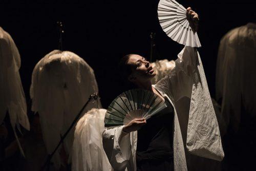 'Dall'altra parte del mondo' al teatro Sanzio di Urbino
