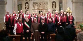Il Coro Folk Città di Spoltore si esibisce al Santuario della Santa Casa di Loreto nel giorno di Santo Stefano