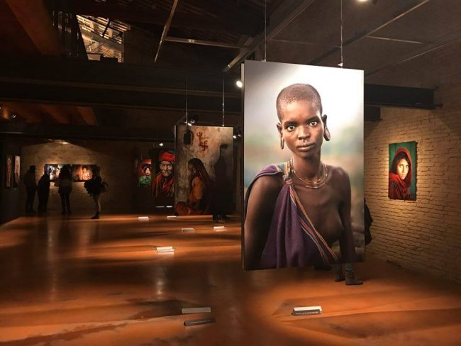 Fino al 25 giugno 39 icons 39 di steve mccurry ad ancona la for Steve mccurry icons