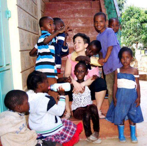 Michela Montesi, volontaria presso l'Asilo Karibuni nella baraccopoli di Soweto (Kenya)