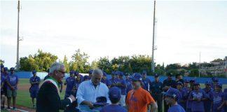 Il sindaco Romano Carancini e l'asesssore allo Sport Alferio Canesin nel diamante di via Cioci per l'inaugurazione dei Mondiali Hit