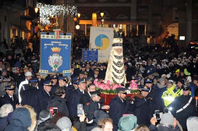 Un momento della tradizionale processione