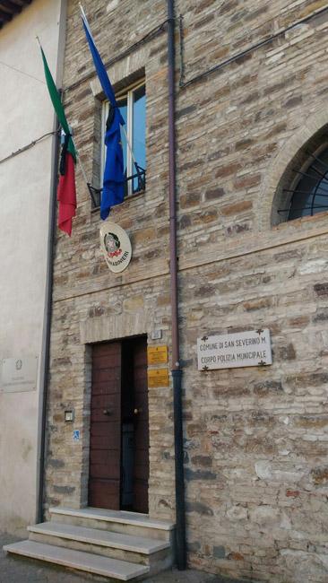 """San Severino Marche: bandiere a mezz'asta per il """"Giorno della Memoria"""""""