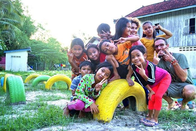 Pesaro, donazioni a favore dei bimbi bisognosi della Cambogia