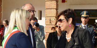 Sindaco-Rosa-Piermattei-con-commissario-Paola-De-Micheli