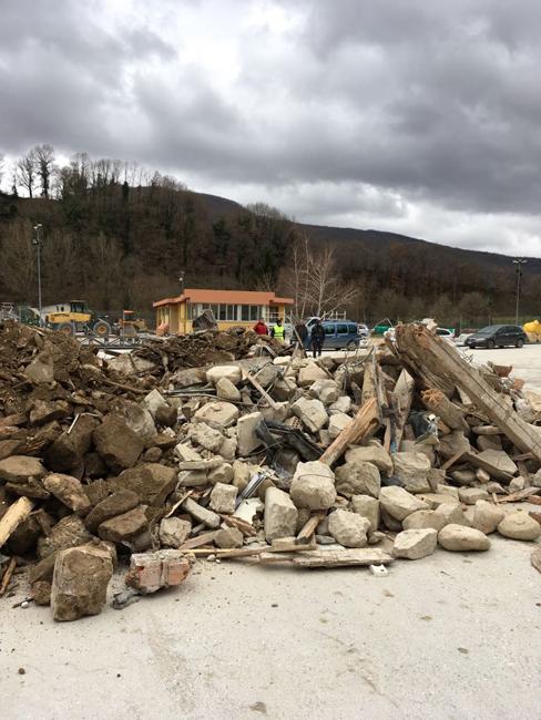 Pescara del Tronto: riparte l'attività di smaltimento macerie