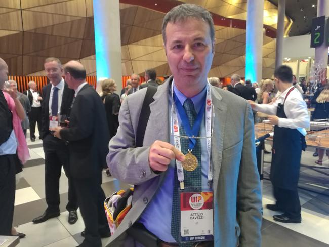 Congresso Mondiale di Flebologia, premiato medico sambenedettese