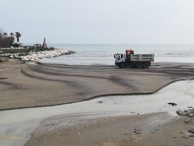 San Benedetto, pulizia della foce dell'Albula