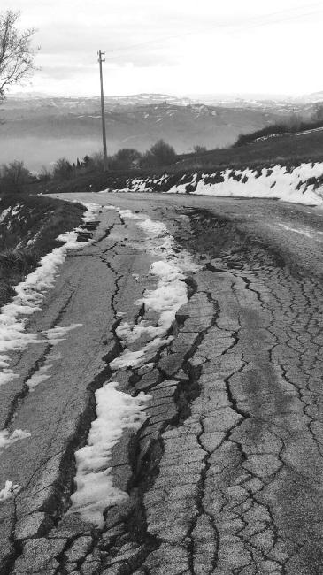 San Severino, smottamento strada: intervento di messa in sicurezza