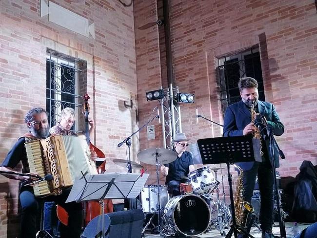 Simone-Zanchini-Quartet