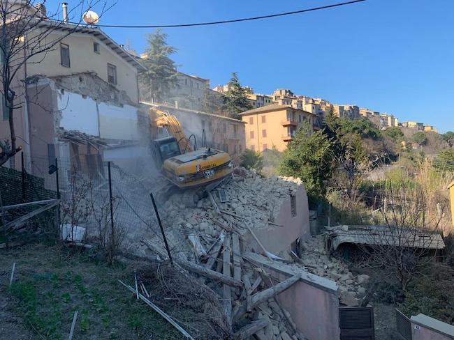 Nuove demolizioni Borgo San Giorgio a Camerino